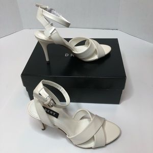 Women DKNY Ankle strap white sandal 6 US